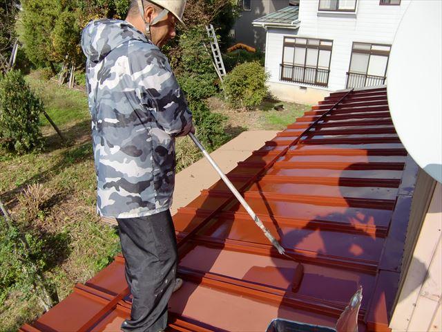 住宅屋根戸塗装工事 中塗り