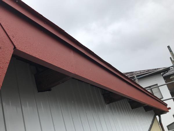 納屋 北面 破風板 右