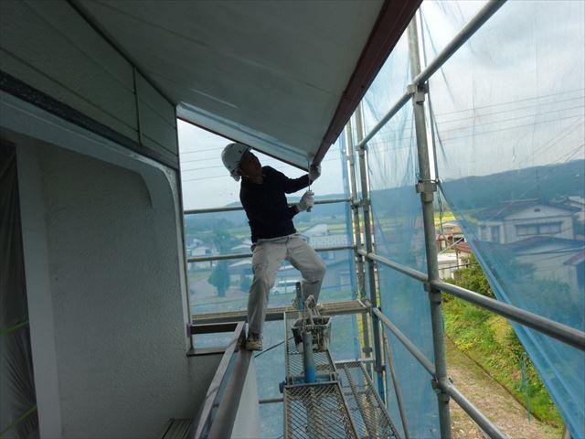 外壁塗装 軒天シーラー処理
