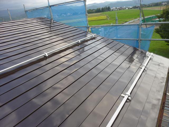 屋根塗装 中塗り完了