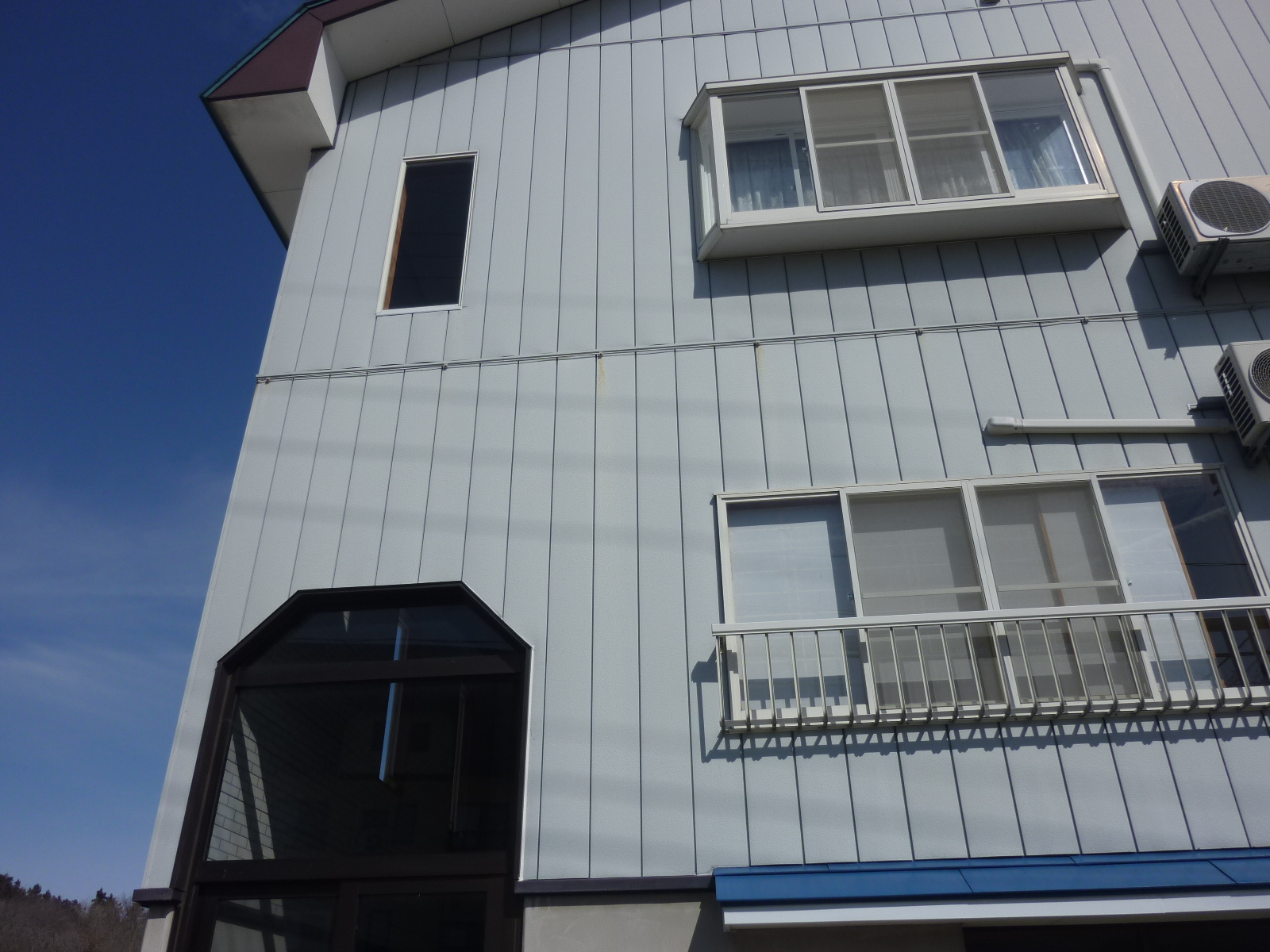 妙高市地内においての外壁・屋根塗装の現地調査の報告です!